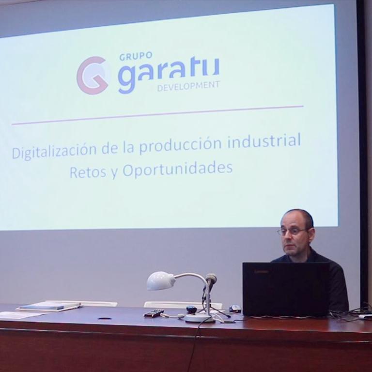 Javier Arenales charla-digitalizacion-produccion-smartfactory-grupo-garatu